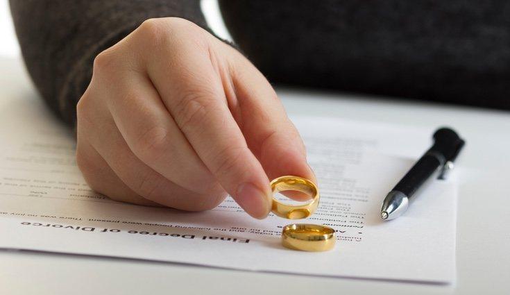 En caso de divorcio la disolución del matrimonio es total