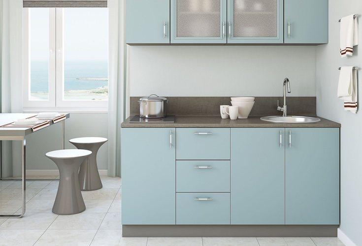 El azul para los muebles de la cocina cada vez se usa más