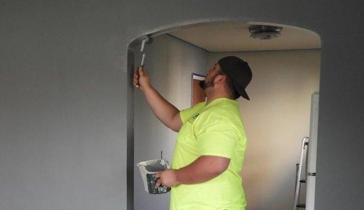La pintura al aceite puede aplicarse en paredes y techos