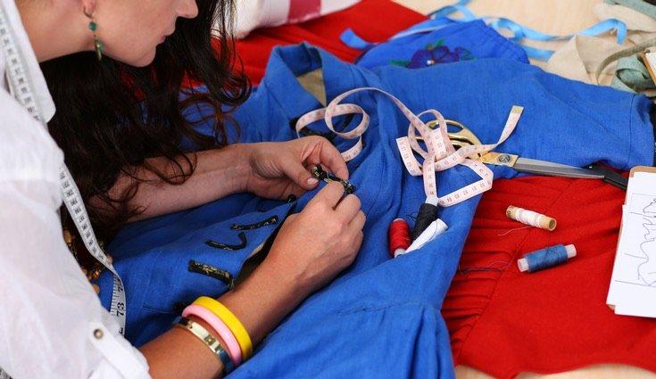 La costura ya no solo se usa para confeccionar prendas de vestir