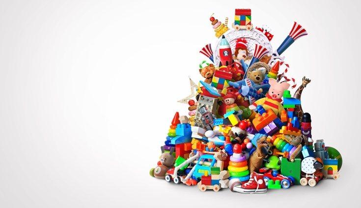 Con una botella de plástico podremos organizar el montón de juguetes de los niños