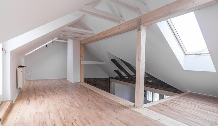 Los deck de madera cada vez son más frecuentes en la decoración de interiores