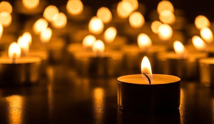 Decora tu deck con unas velas, ya que así le aportarás un toque más romántico