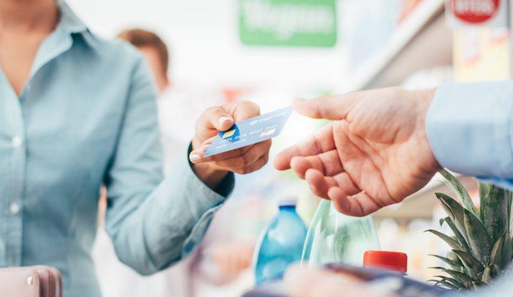 Hay dos tipos de tarjeta: de crédito y de débito