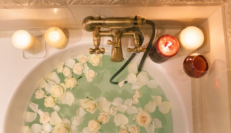 Un relajante baño no es lo mismo si no va acompañado de una vela