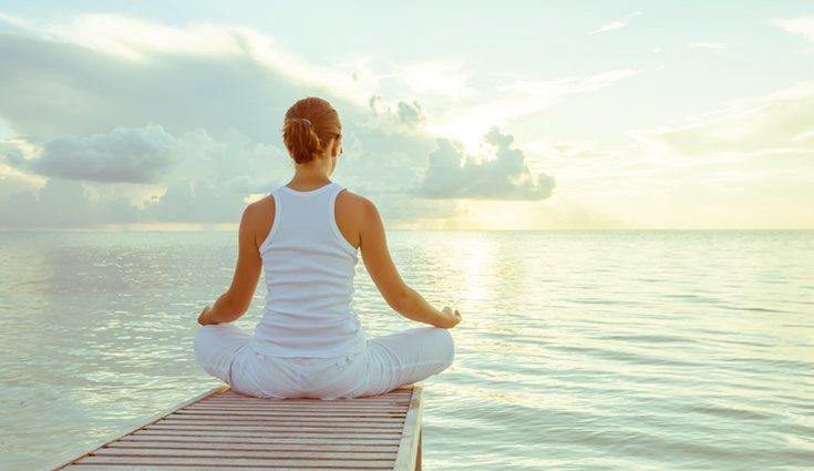 El yoga es perfecto para desconectar del mundo
