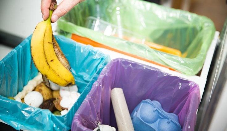 En casa debes separar todos los residuos para que se más fácil depositarlos en los contenedores
