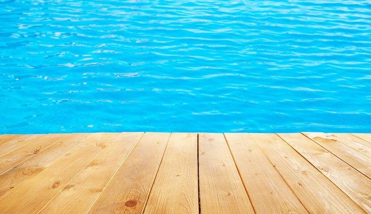 Las piscinas de agua salada son una gran opción debido a su fácil y rápido mantenimiento