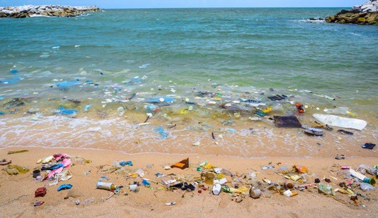 Se tiran al mar unos 200 kilos de plástico por segundo