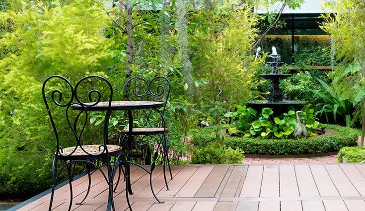 En tu jardín nunca puede faltar unos cuantos muebles para poder disfrutar de las maravillosas vistas
