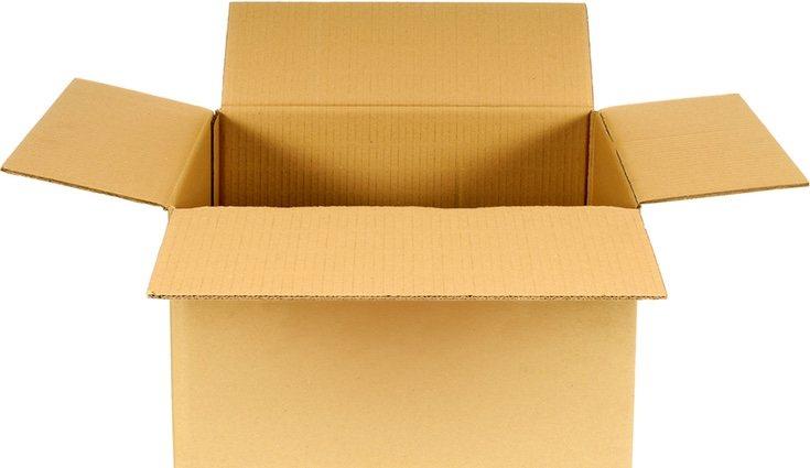 Una simple caja de cartón puede ser tu gran aliado para hacer una piñata cuadrada
