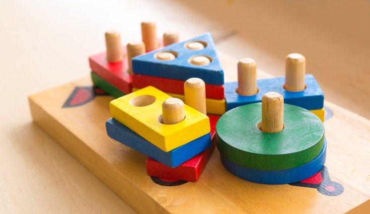 Además de los caramelos y chucherías también puedes meter juguetes dentro de tu piñata