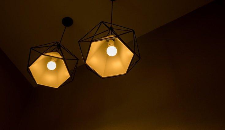Las decoración neón está llegando a todos los ámbitos, incluso a las lámparas