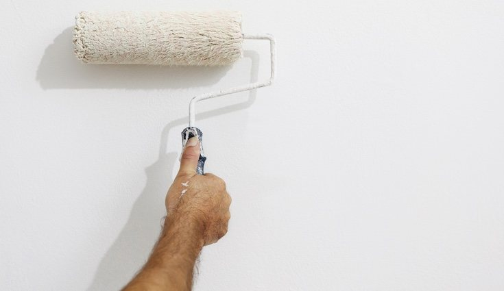 La mayoría de paredes suelen estar pintadas con acrílicos