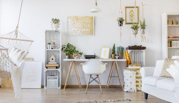 Dale un nuevo estilo a tu hogar usando pintura y detalles metalizados