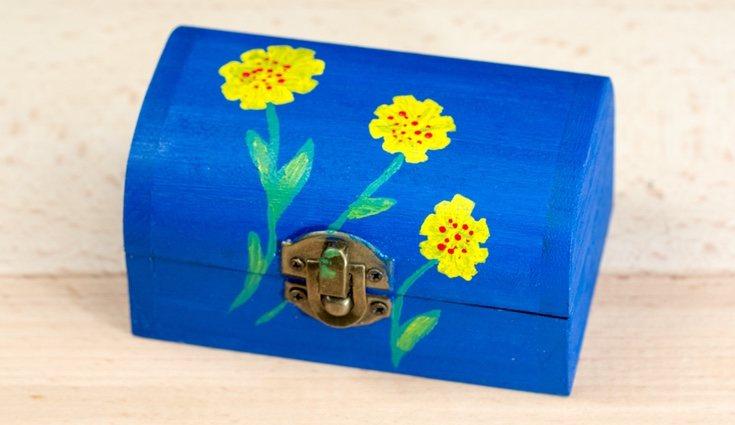 Las cajas de madera también pueden servirte para una original decoración infantil
