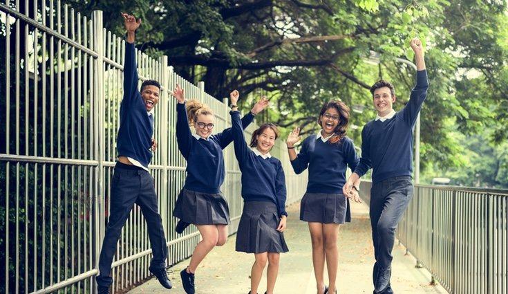 Gastos como el comedor escolar, el transporte, o las actividades extraescolares suponene un desembolso
