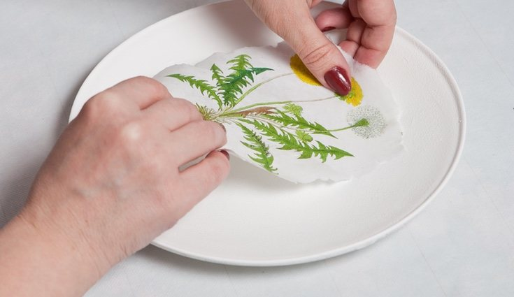 Se puede realizar en diferentes superficies como la cerámica