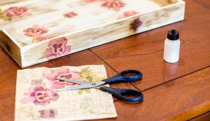 La técnica estrella es la de utilizar servilletas de papel estampadas