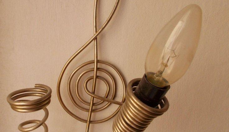 Una de las muchas ideas que se nos pueden ocurrir para decorar las lámparas