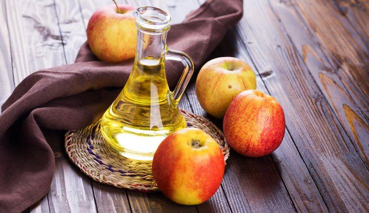 El vinagre de manzana tiene un olor muy desagradable para los insectos