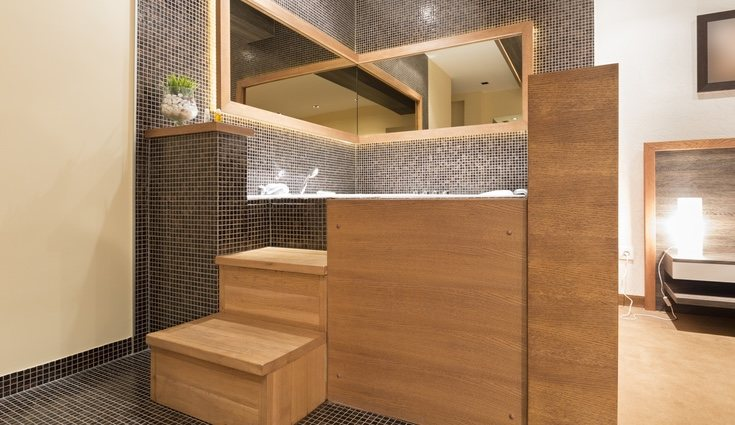 Lo ideal es poder esconder el inodoro para que no se vea nada más entrar al baño