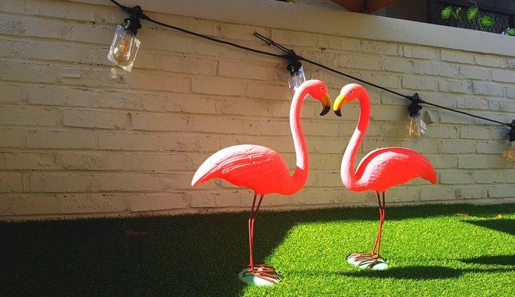Esctulturas de flamencos para el jardín