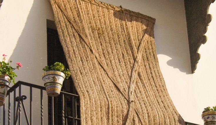 También podremos hacer cortinas de esparto que quedarán ideal en nuestras casas
