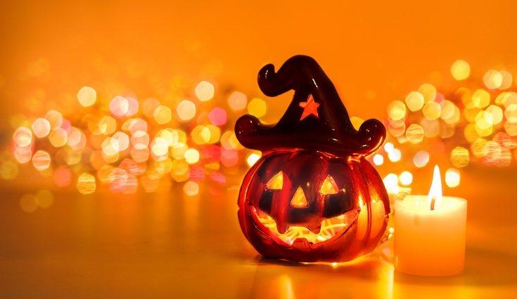Uno de los materiales más importantes para Halloween son los recipientes para echar las chucherías y golosinas