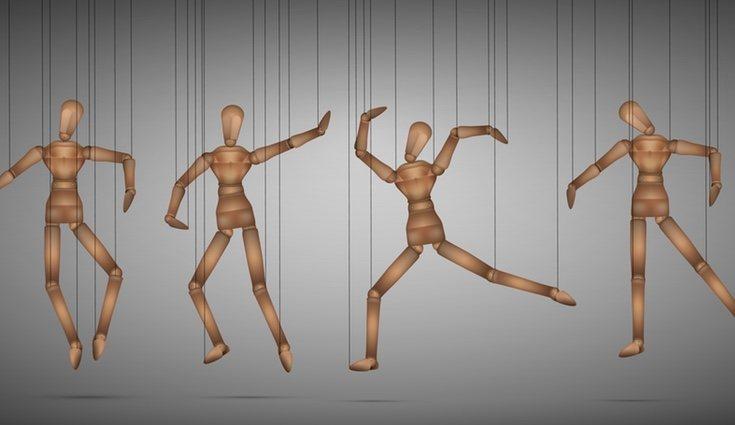 Existen muchas formas de caracterizar a las marionetas, desde detalles hasta vestidos