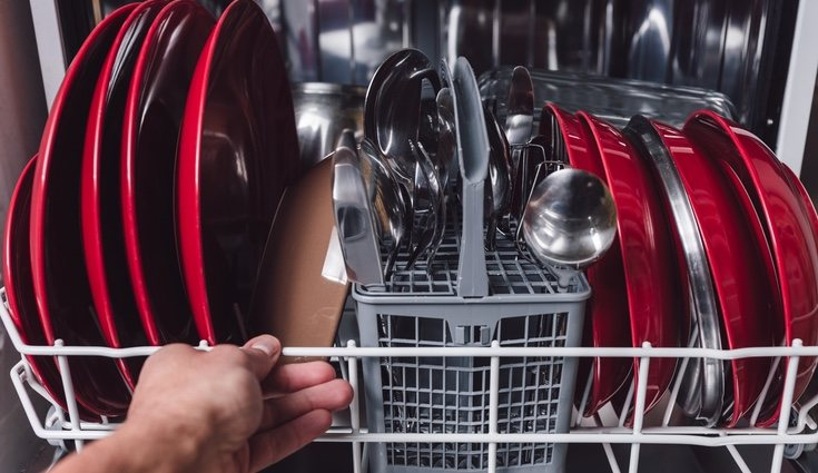 Existen accesorios que nos ayudan ahorrar espacio en nuestro lavavajillas