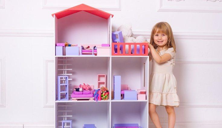 Existen cantidad de beneficios que el jugar con la casa de muñecas proporciona
