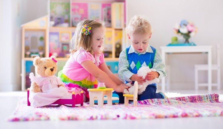 Los niños pueden pasarse horas jugando e interactuando entre ellos