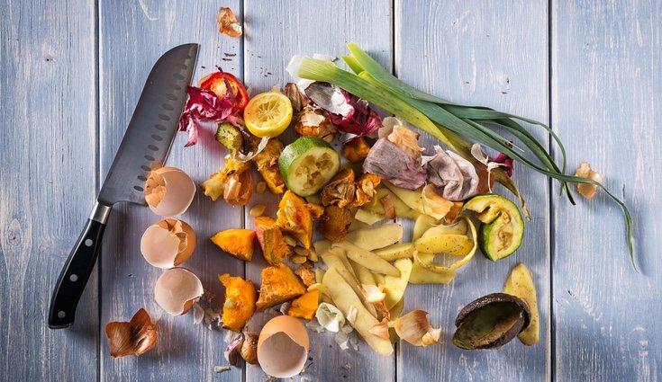 Cáscaras, semillas, legumbres... son algunos tipo de residuos que van en el contenedor marrón