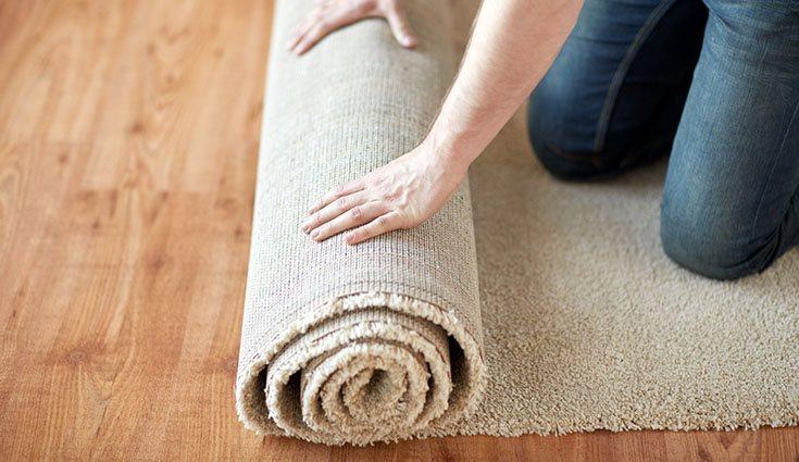 Las alfombras pueden ser grandes aliadas en espacios amplios