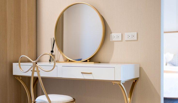 Tocador minimalista más instaurado en la decoración