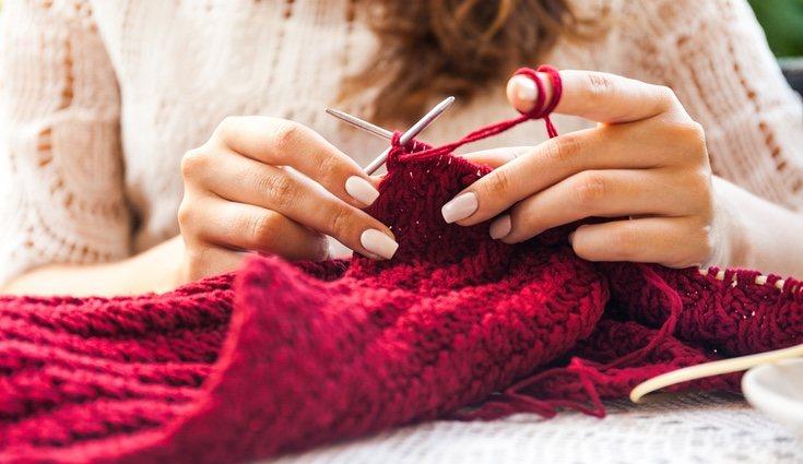 Para hacer una bufanda de lana sólo necesitas paciencia e ir poco a poco