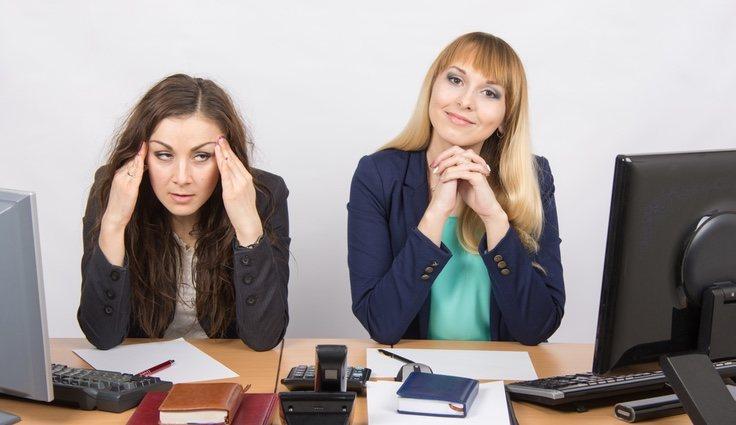 El roce de la convivencia entre compañeros de trabajo podría generar problemas en la relación laboral