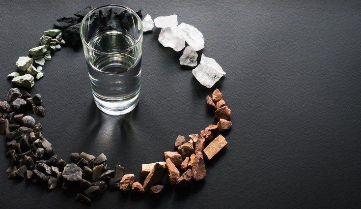 El carbón también sirve para filtrar el agua y eliminar impurezas