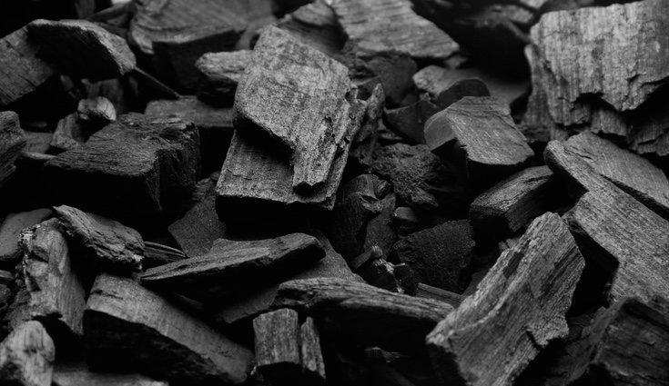 Una de las principales funciones del carbón es generar electricidad