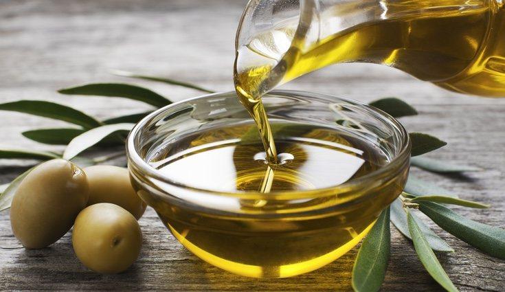 El aceite no es bueno para las plantas, obstruye los poros de las hojas y les impide respirar