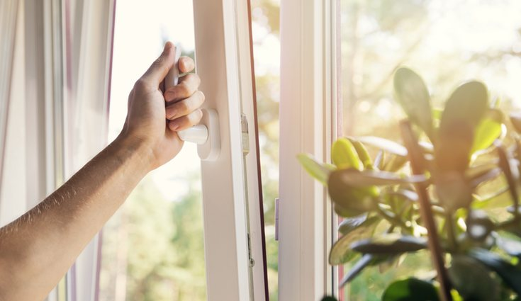 Ventila la vivienda mínimo dos veces al día