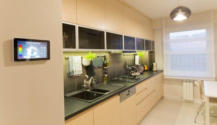 Las tecnologías asociadas con el control y mantenimiento de la vivienda se denominan 'domótica'