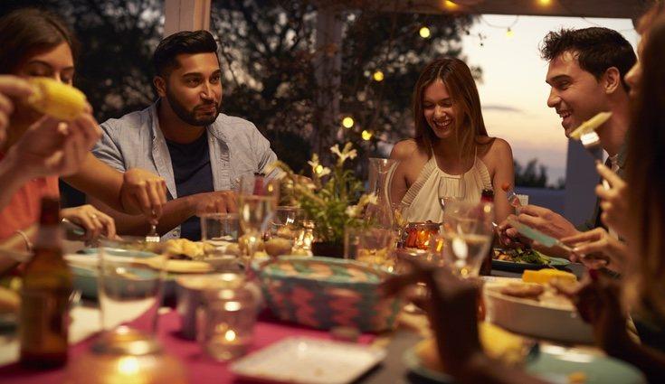 Siempre se tiene que tener en cuenta cuántas personas vana a estar presentes en la cena o comida