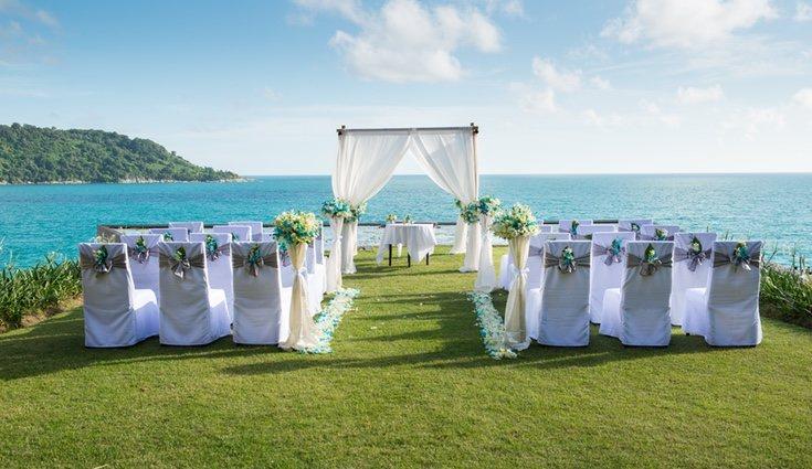 Hay zonas donde se exige que los novios paguen una tasa por casarse en la playa