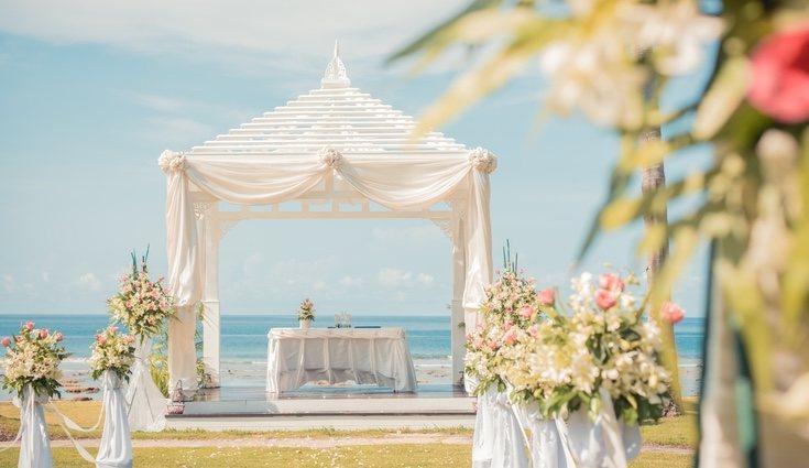 En las bodas de playa es aconsejable usar bastante el picoteo