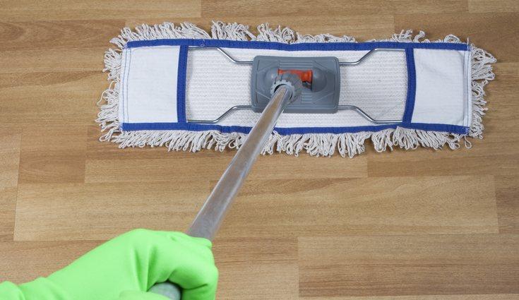 No es recomendable limpiarlo diariamente con el fregón