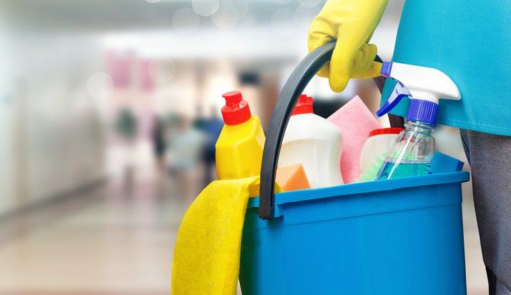 Habrá que leer las instrucciones de uso antes de usar un producto de limpieza