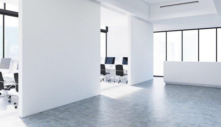 Los colores claros en las paredes causan un efecto de amplitud