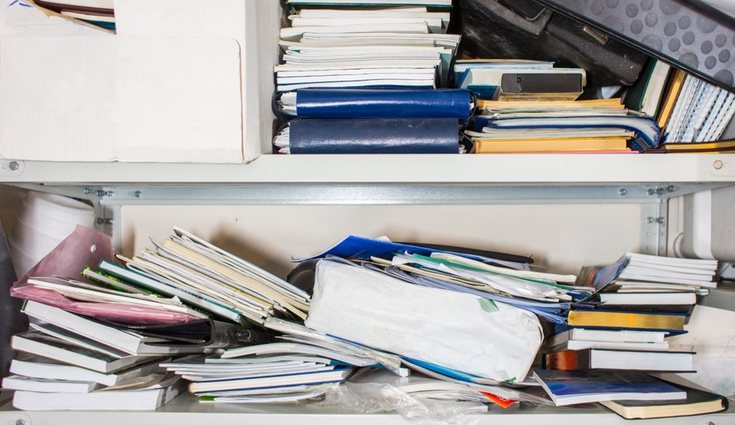 Hay quien piensa que con los montones de libros solo se consigue acumular polvo